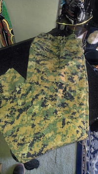 beige and green digital camouflage cargo pants Cabazon, 92230