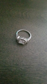STELLA AND DOT RING Surrey, V4N