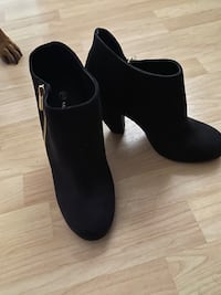 Womens boots size 9 McLean, 22102