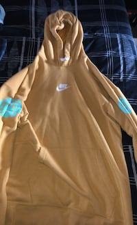 NIKE YELLOW EYBL SWEATER SIZE LARGE!! Vaughan, L4L 5A4