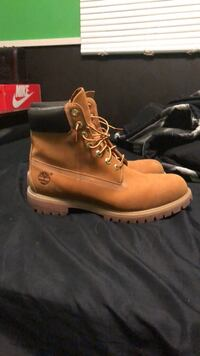 pair of brown Timberland work boots Winnipeg, R2G 0V9