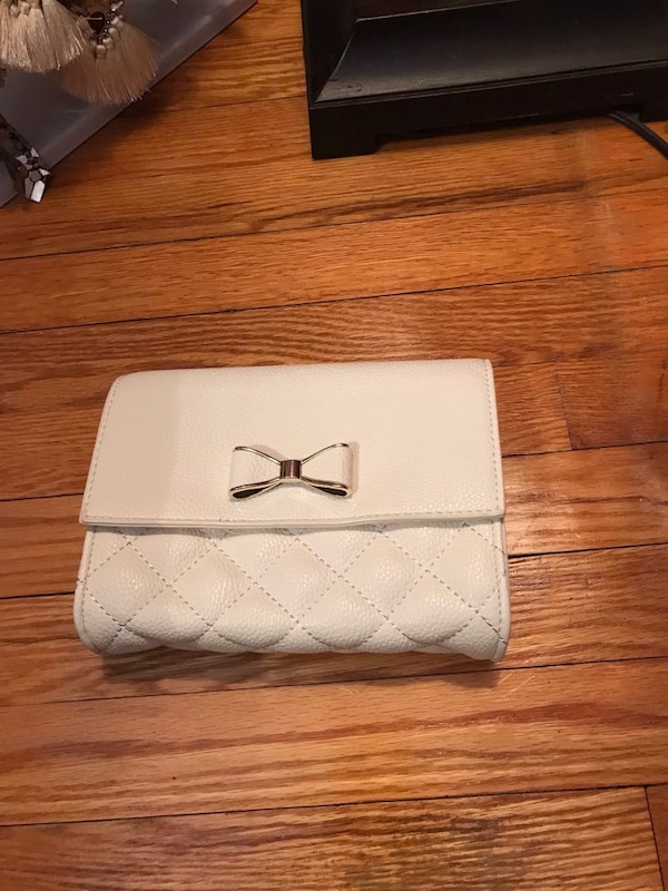 Forever21 white purse