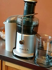white and gray Breville power juicer Sudbury, P0M 1L0