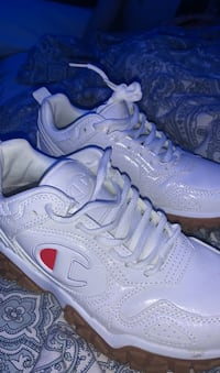 champion shoes size 6 Coquitlam, V3K 4Y7