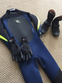 Ripcurl wetsuit, booties and gloves! Norfolk, 23505