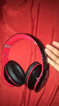 black and red wireless headphones Mobile, 36606