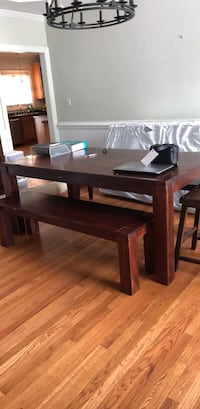 dining table and benches Apex, 27523