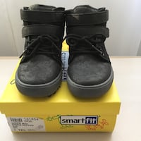 Boys' Casual Shoes Size 12½ / Chaussures taille 12½ pour garçons Montreal