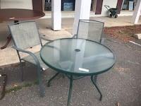 Outdoor table 2 chairs  Plantsville, 06479