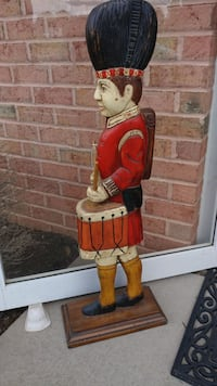 WOODEN HAND CARVED DRUMMER BOY