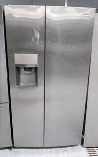 FRIGIDAIRE GALLERY Side by Side Refrigerator St. Louis