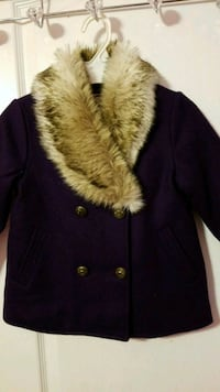 Girls coat with fur size 4T. new with tag