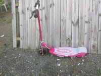 Hot pink electric razor scooter Triangle, 22172