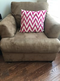 Brown armchair - great condition $50 OBO Washington, 20009