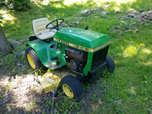 John Deere 214 >> Used John Deere 214 Lawn Tractor 46 Deck With Pto For Sale In