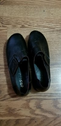 Black dress shoes size 9 London, N5V 3R7