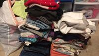 Tons of clothes for sale. Most items $1-$3 some a little more based on brand and quality Apple Valley, 92307