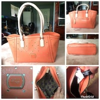 Peachy orange guess tote/purse  Pitt Meadows, V3Y 1M8