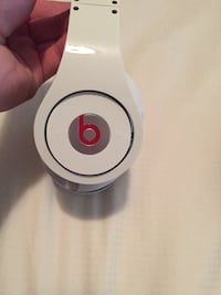 White beats by dr dre headphones