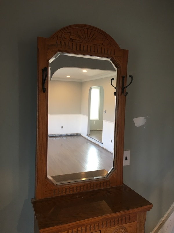 """Hutch with mirror  2 ft x 1 ft x 80"""" tall 40"""" tall without mirror Excellent  condition"""