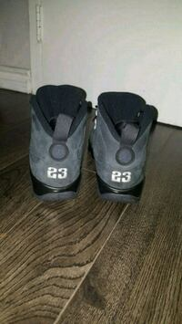 pair of gray-and-black Nike basketball shoes Oakville, L6H 2P5