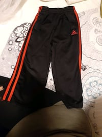 Black & red Adidas sweatpants!size 3t!