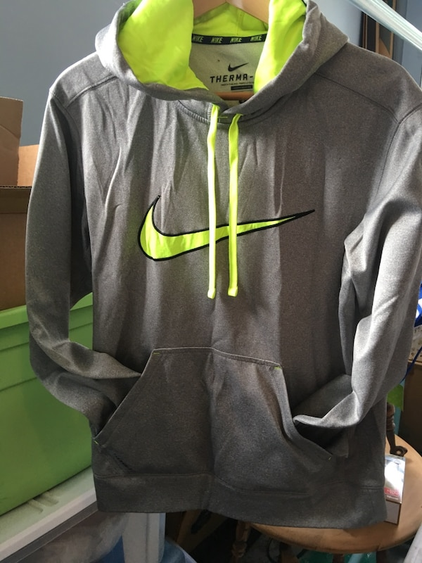 Nike gray hoodie hoodie lined with lime greenThermo fit size small barely  worn