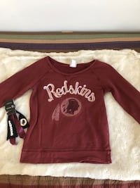 Washington Redskins Women's Sweatshirt & Ponytail Holder Fairfax, 22031