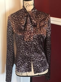 Ladies leopard print bow blouse size small  Oakville, L6H 1Y4