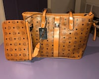 Brand New Great Design and Quality Tote/wristlet included Oldsmar, 34677