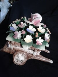 NOW $39***Vintage CAPODIMONTE Porcelain WHEELBARROW with FLOWERS*IF AD'S UP, IT'S STILL AVAILABLE Hamilton