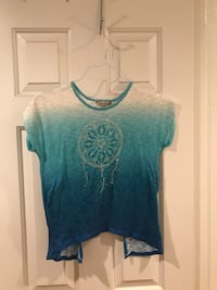 Women's teal and white crew-neck shirt