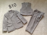 Boys 3 Piece Formal Suit  Approx Age 4-5 Mississauga, L5W