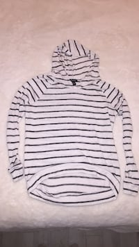 Black and white stripe shirt with hood (small) Toronto, M1P 5C4