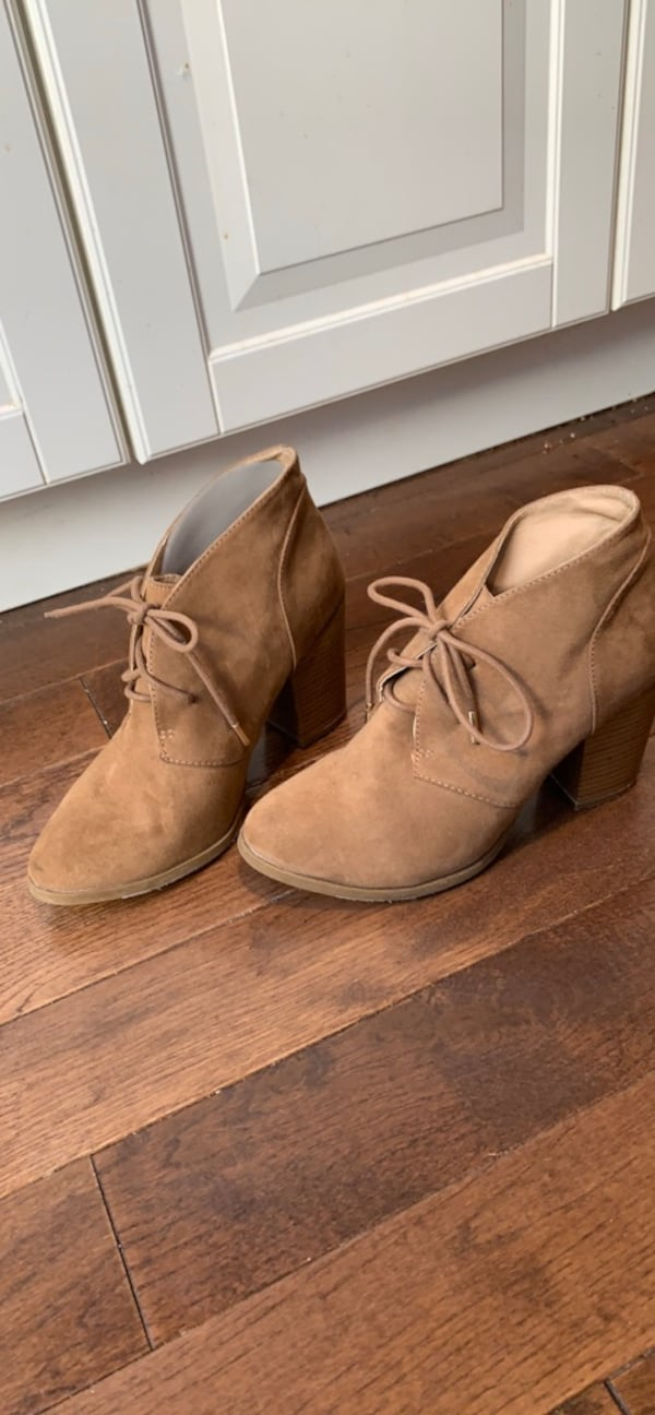 Forever 21 ankle boots size 8 66f8c7dc-2662-4433-9a55-0aa0af412072