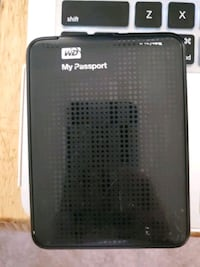 WD My Passport 1TB EXTERNAL HARD DRIVE