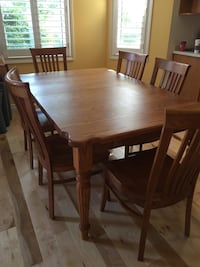 Solid oak table with 8 chairs Kitchener, N2P 1N9