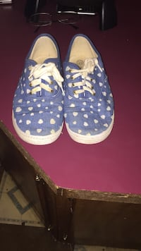 pair of blue-and-white Nike sneakers Clarksville, 37043