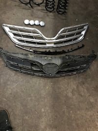 2013 Toyota Corolla grille assembly Everett, 98204