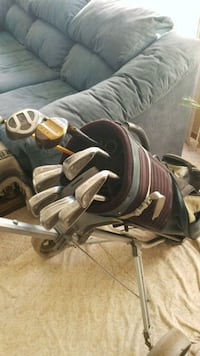 Golf Clubs, Bag, and Pull Cart Edmonton, T5R 1X7