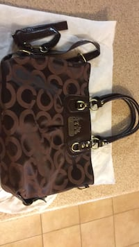 brown and black Coach monogram tote bag Gatineau, J8P 2T5