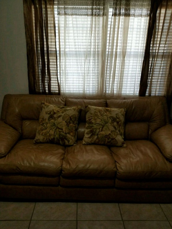 Used Leather sofa for sale in Tampa - letgo