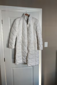 White Medium Coat for Sale…Like New Condition LONDON