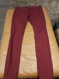 London low rise skinny fot sz 9 Toronto, M9C 4K9