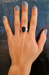 Stirling silver and black ring New York, 10031