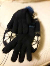 pair of black winter gloves cap Seattle, 98115