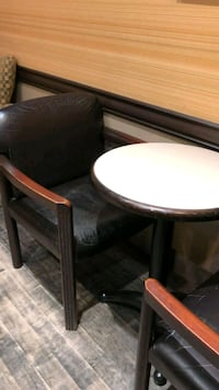 Leather arm chairs Laval, H7K