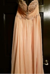 Prom dress size small color blush  1371 mi
