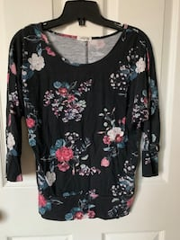 Floral top sleeve shirt flower Toronto, M1P 4P5