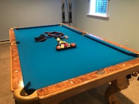 Pool table w acc